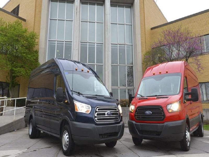 Một số thông tin về Ford Transit 2012